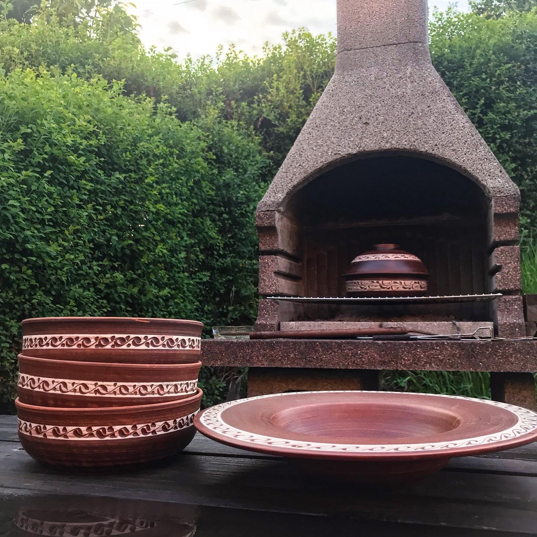 Keramika je přírodní materiál