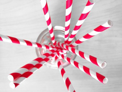 papírová brčka párty přírodní ekologická pruhy červené