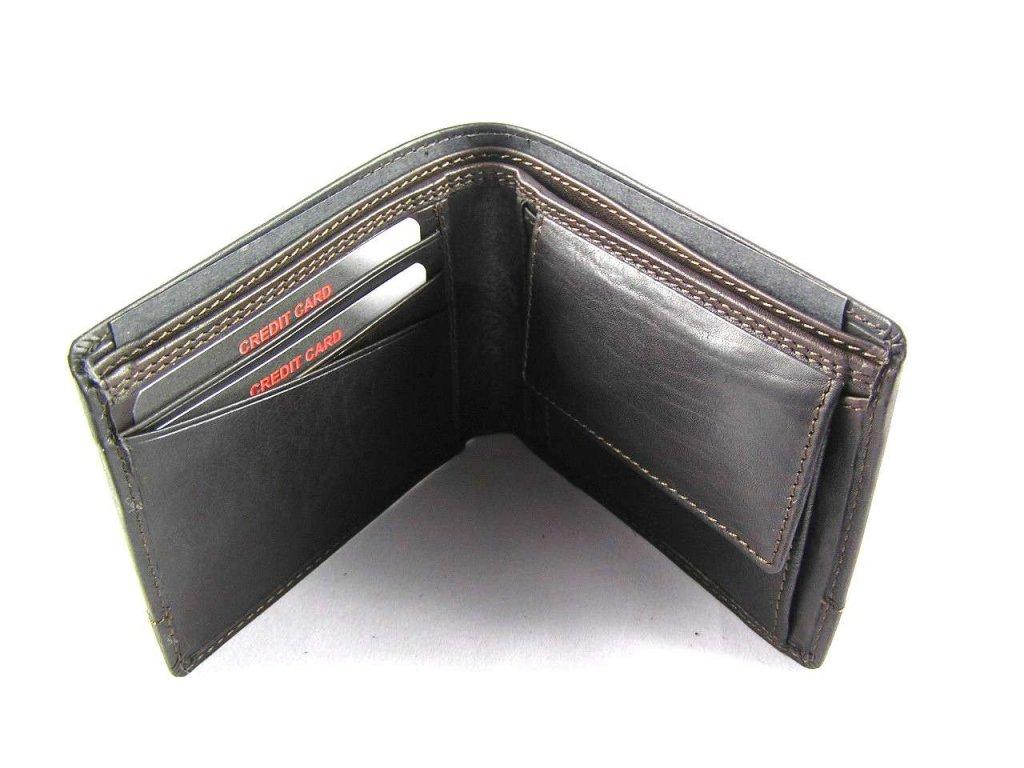 aa16f517aa4 Klasická pánská kožená peněženka značky Lagen - tmavě hnědá ...