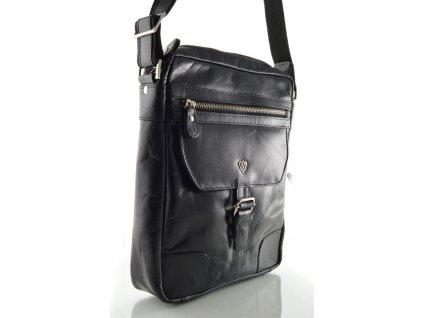 Černá kožená taška přes rameno
