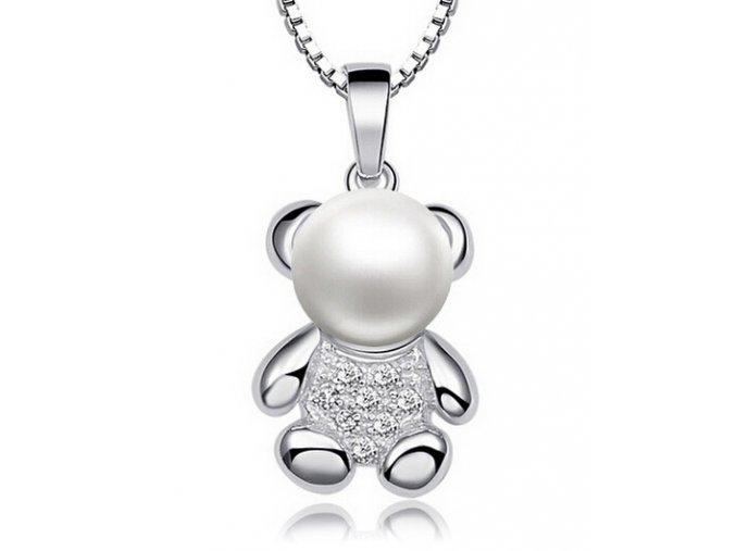 Atraktivní přívěsek s řetízkem - medvídek s perlou stříbrný