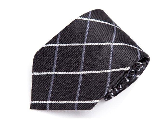 kravata cerna