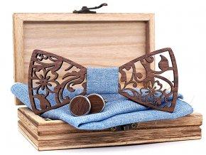modry pansky motylek elegantni svatebni dreveny