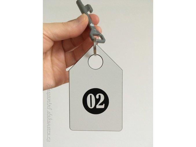 klíčenka domek s číslem