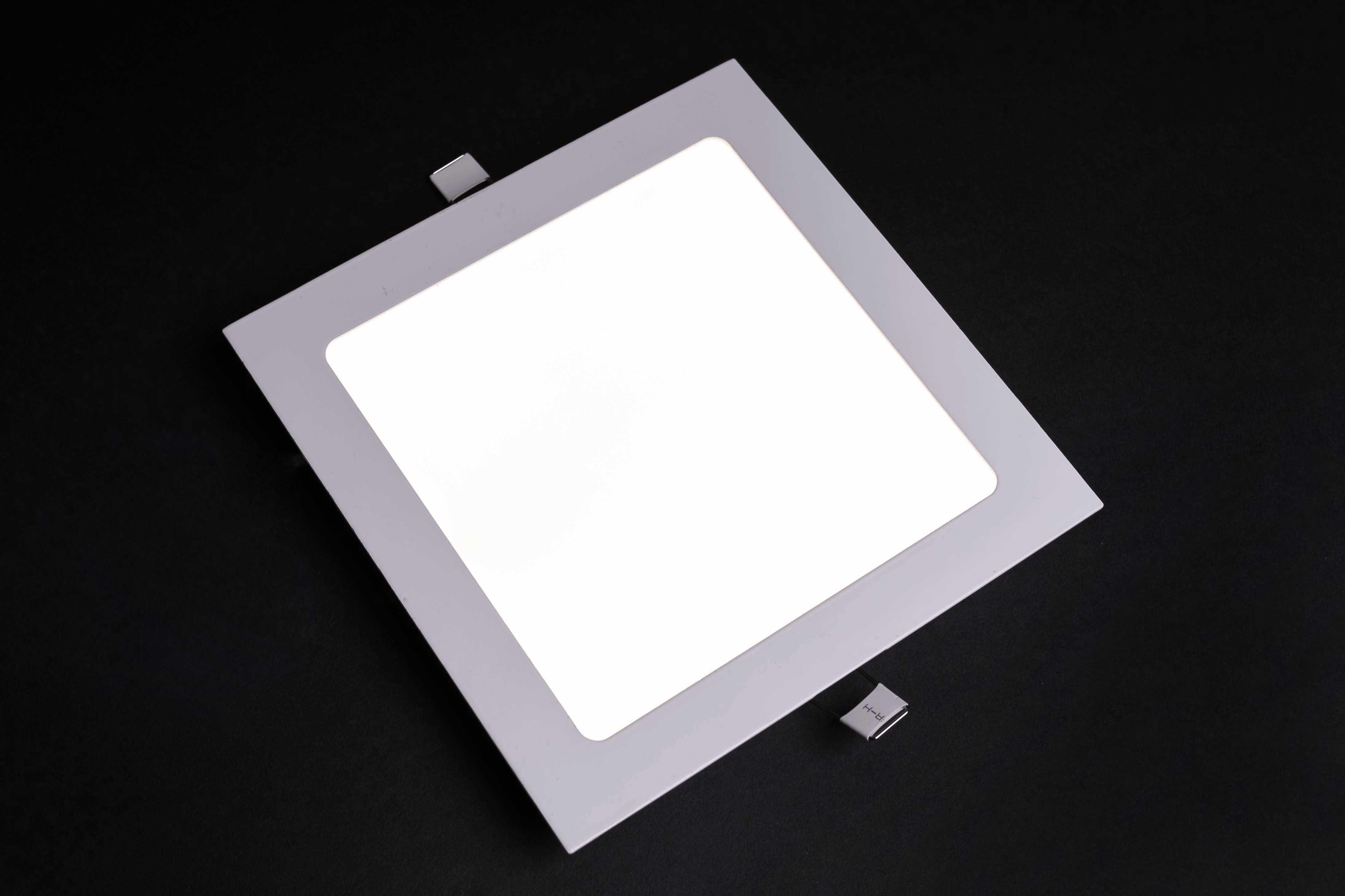 LED panely na zapustenie