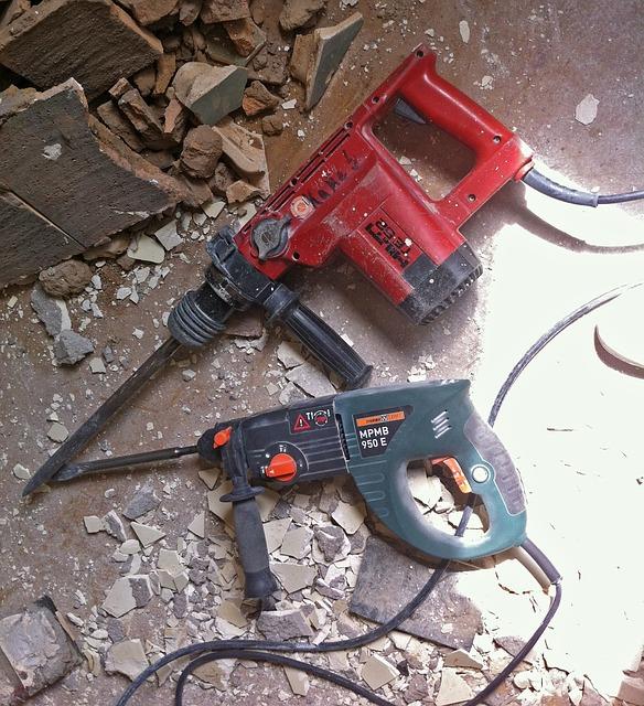 hammer-drill-940318_640