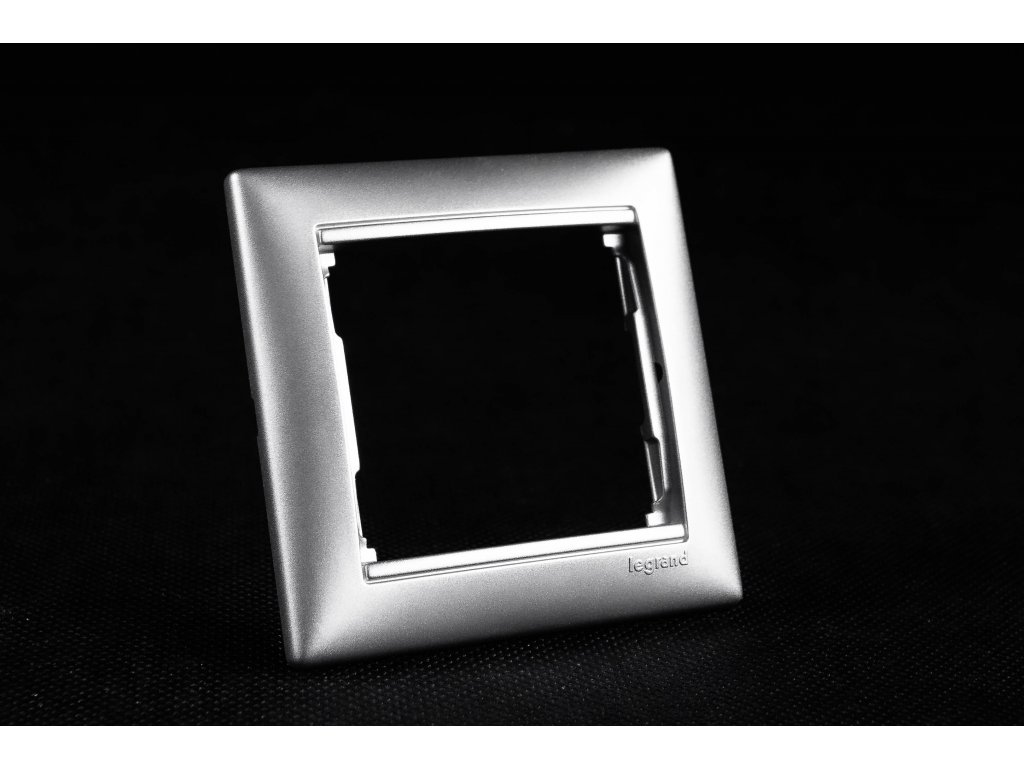 1-rámček VALENA hliník 770151 Legrand