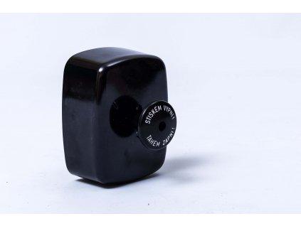 Spínač Tahem zapni stiskem vypni 25A IP 30 ABB čierny 35363-10