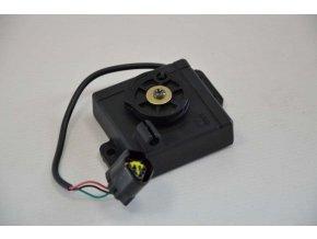 Akceleračný controller (8_13)