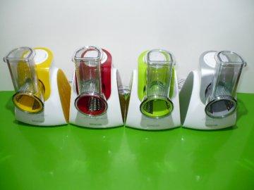 Elektrické struhadlo /krouhač, kráječ/ na ovoce, zeleninu, sýry Sencor SSG 3501GR zelené