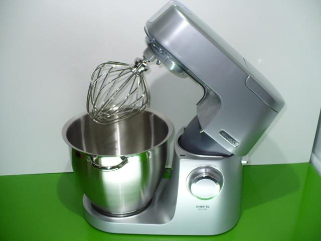 Kuchyňský robot Kenwood KVL 6420S stříbrný 1400 W objem mísy 6,7l  + food processor Kenwood FPM 250 ZDARMA