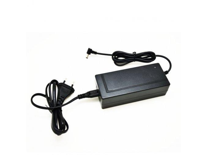 Nabíječka baterie pro elektrokoloběžku BLUETOUCH BTXPRO