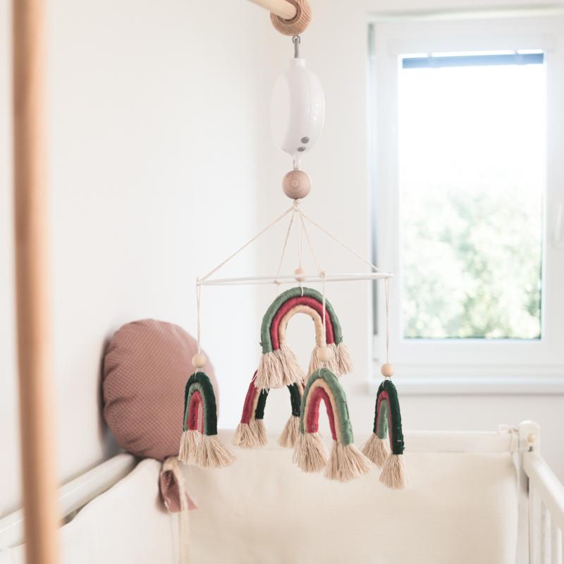 DIY Duhový kolotoč nad postýlku