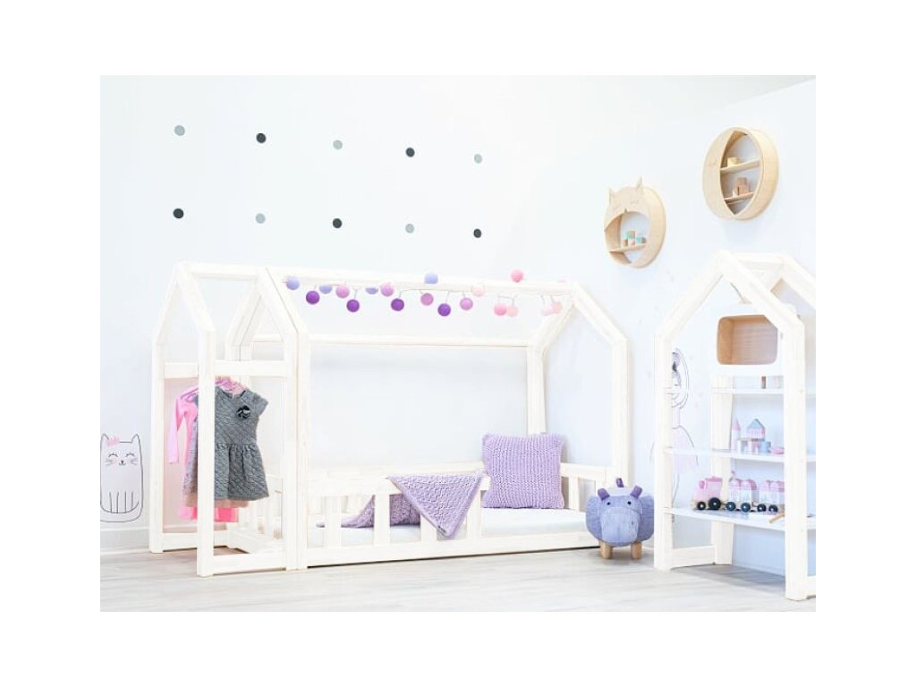 Bílá dětská domečková postel pro holčičky se zábranou a volitelnou výškou nožiček