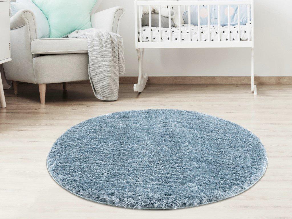 Kusový plyšový koberec