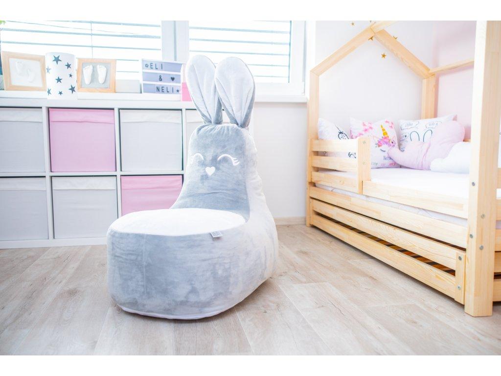 dětské křesílko králík