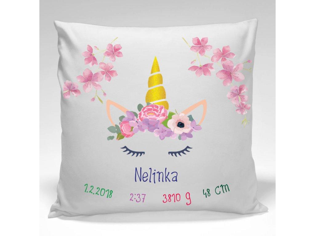 Designový pamětní polštářek k narození miminka je i jedinečnou textilní dekorací.