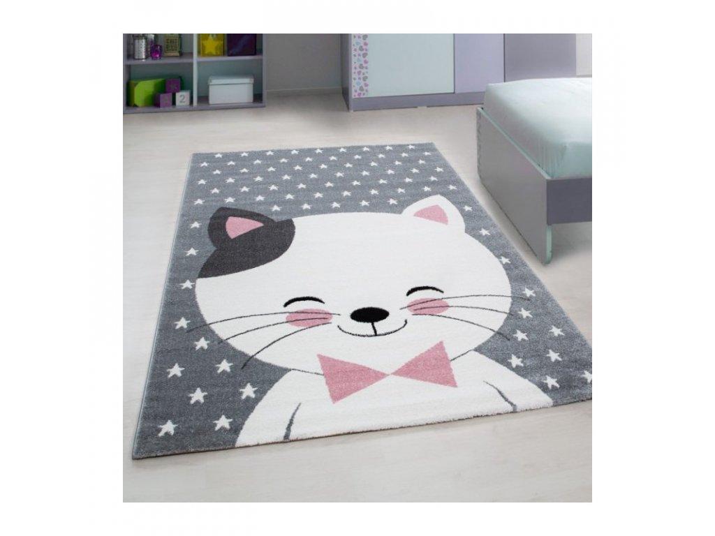 Dětský koberec - Bílá kočička s černým ouškem, skvělá volba pro všechny holčičky milující kočičky