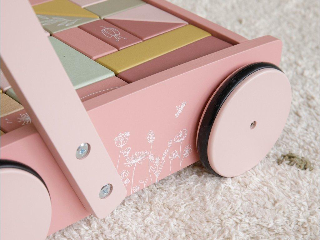 kvalitní vozíček v pastelových barvách