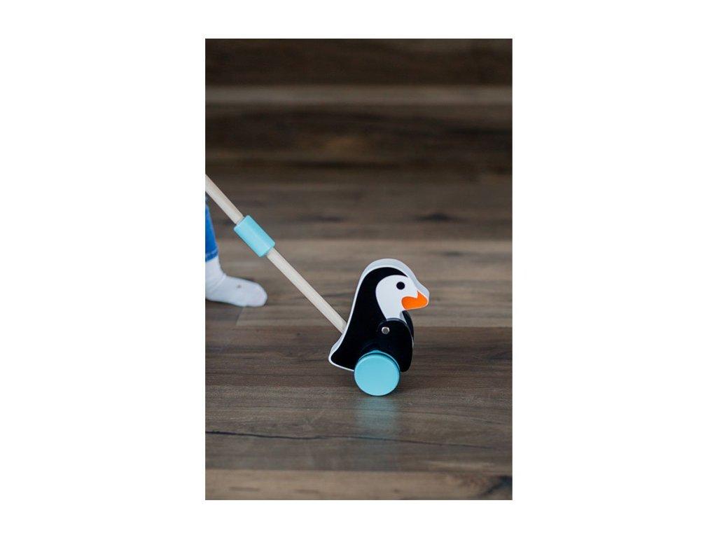 dřevěný tučňák