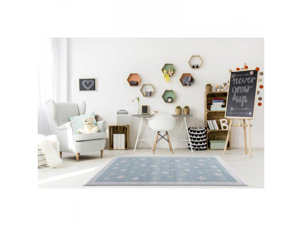koberec jako hvězdná obloha v pokojíčku