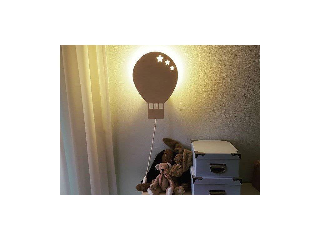 dřevěné stínidlo na dětskou lampičku