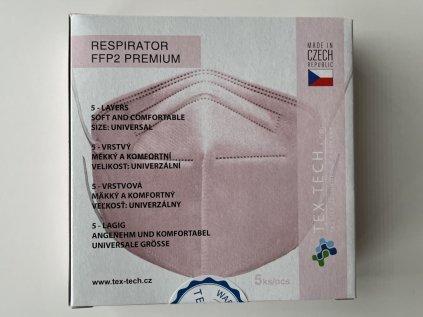 Sada pěti růžových respirátorů FFP2 vyrobených v České republice