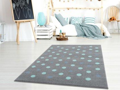Šedostříbrný koberec s mintovými puntíky