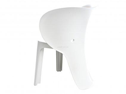 Bílá, lehce udržovatelná plastová židlička v designu šedesátých let.