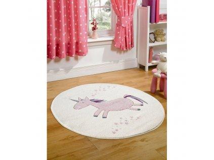 kremový koberec pro holčičky