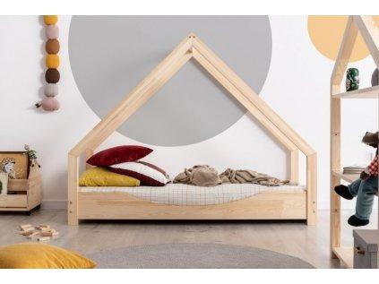Krásná dětská postel domeček s oválným výřezem vypadá, jako by se usmívala