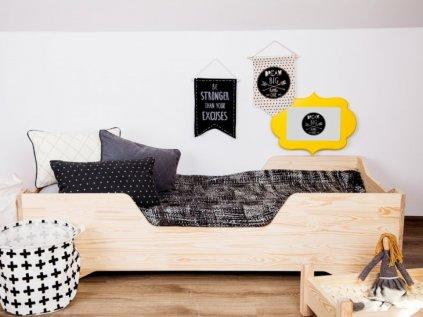 Originální dětská postel z kvalitního dřeva easy middle