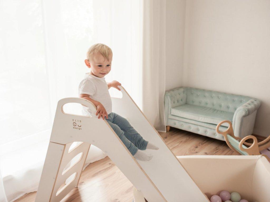Fa gyerek csúszda a gyerekszobába vagy játszósarokba az Elis Designtól