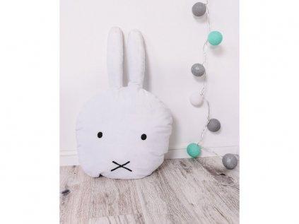 Vankúš v tvare zajaca