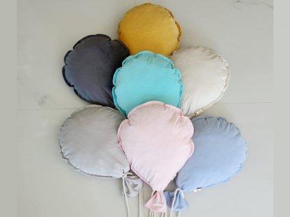 Farebné dekoračné vankúšiky na stenu v tvare balónika