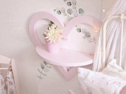 Krásna polička do detskej izby v tvare srdca