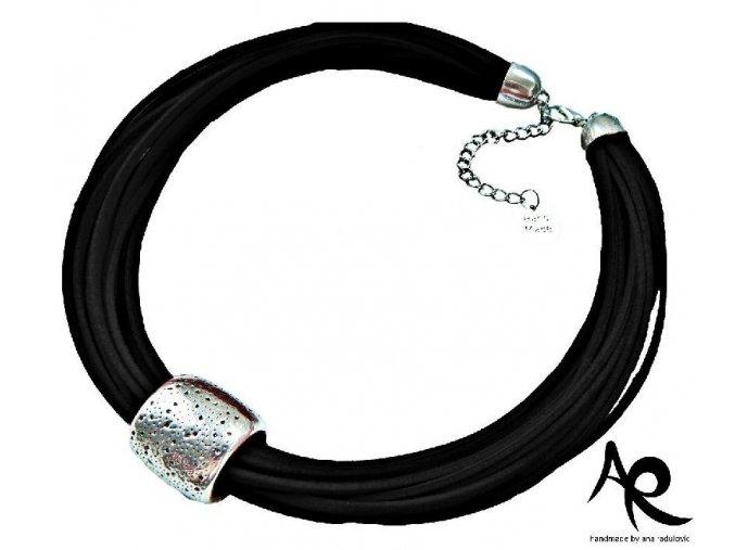 AR náhrdelník černý