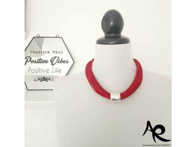 AR náhrdelník červený