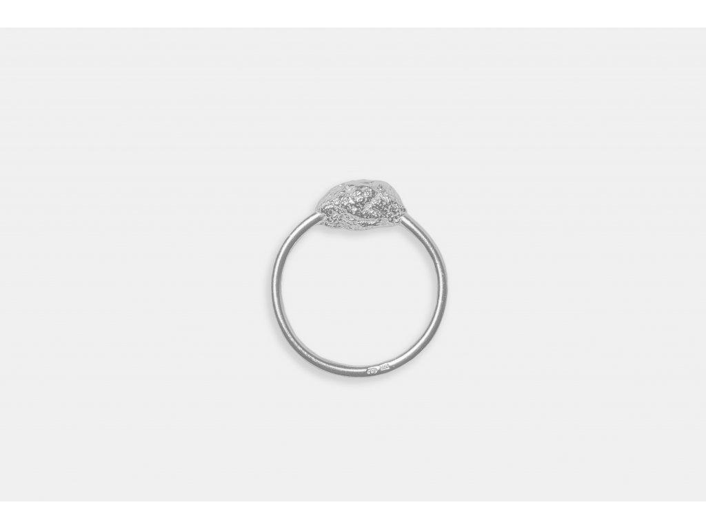 NEW ARCHEOLOGY Artefakt stříbrný prsten s kamínkem