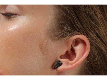 NEW ARCHEOLOGY Artefakt černé náušnice trojúhelníky Ag 925/1000