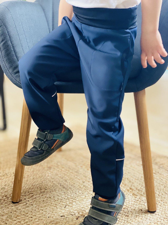 """alt=""""dětské softshellové modré kalhoty s chloupkem"""""""
