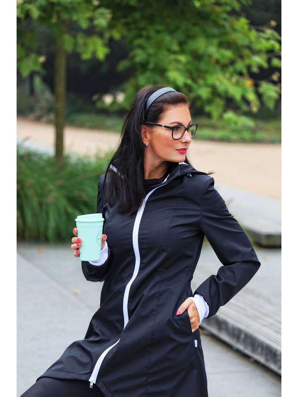 """alt=""""dámský černý softshellový kabát"""""""