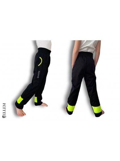 """alt=""""jarní softshellové černé kalhoty pro děti s neonově žlutými pruhy"""""""