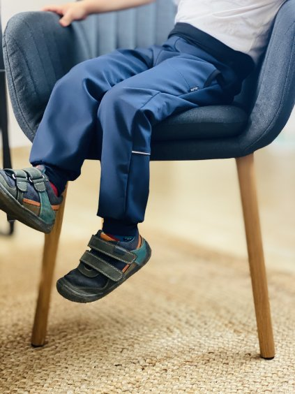 """alt=""""podzimní softshellové modré kalhoty s nápletem"""""""