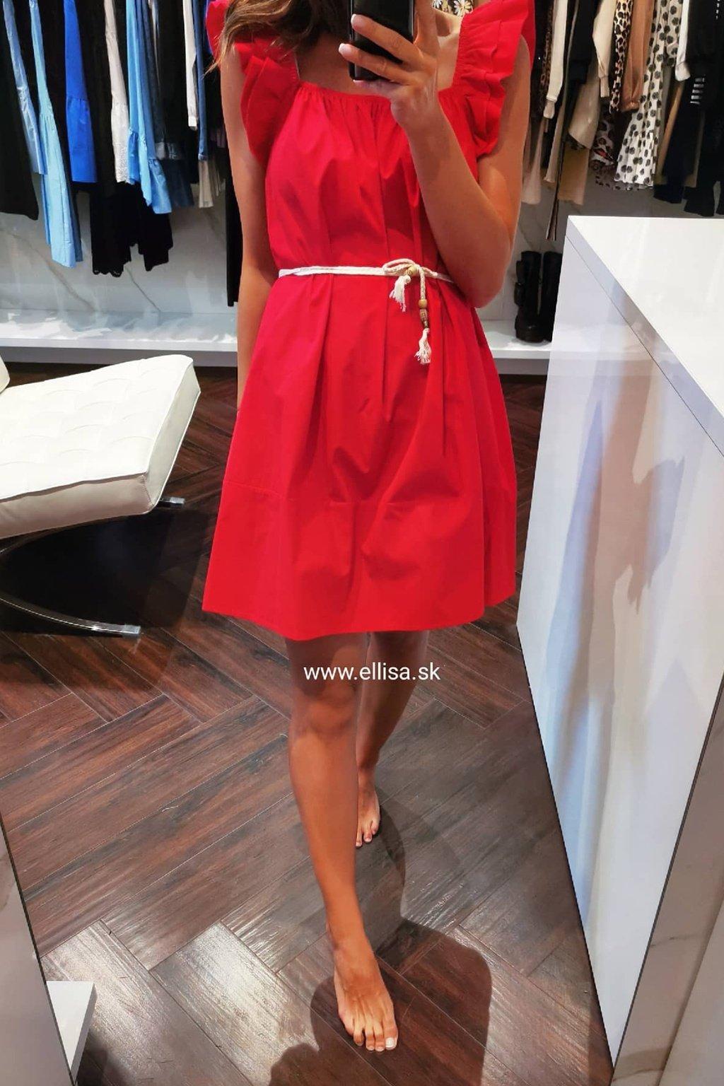 Červené šaty s opaskom