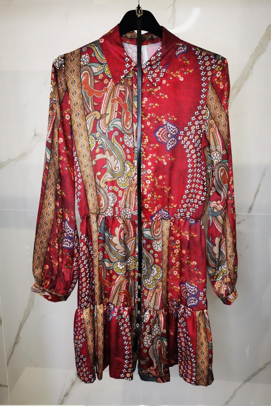 Šaty s opaskom červené