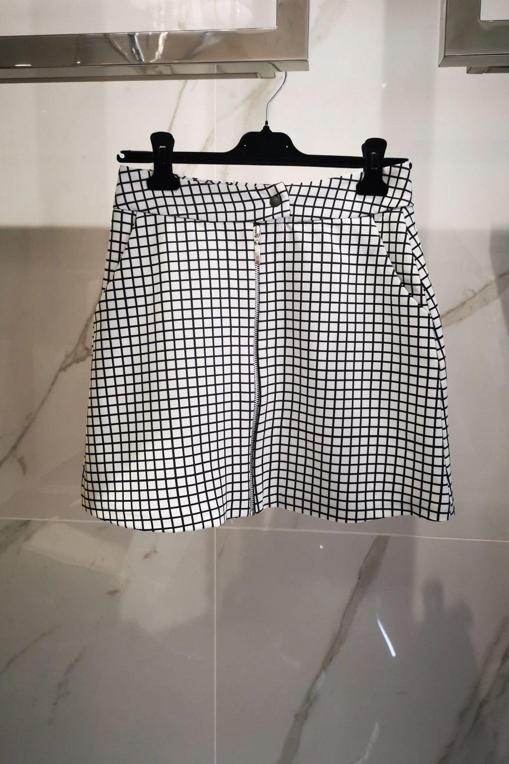 Sukňa čierno-biela