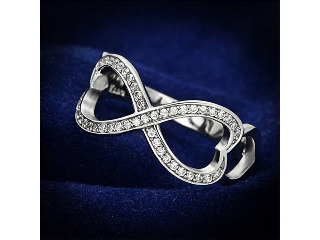 strieborny prsten so zirkonmi str088