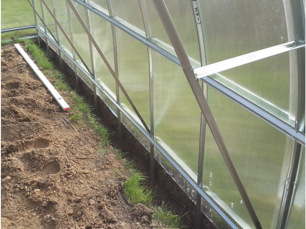Výztuha konstrukce do zahradního skleníku