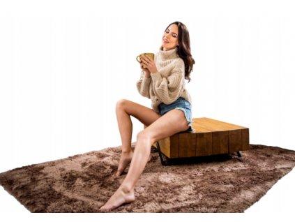Plyšový koberec světle hnědý 140 x 200 cm